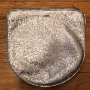 Baggu large U leather pouch in silver